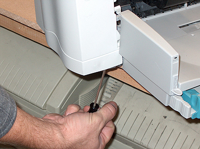 Step 3: Removing Printer Side Cover of the HP DesignJet 700