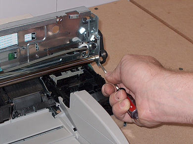Step 9: Removing HP DesignJet Printhead Axle Spacer